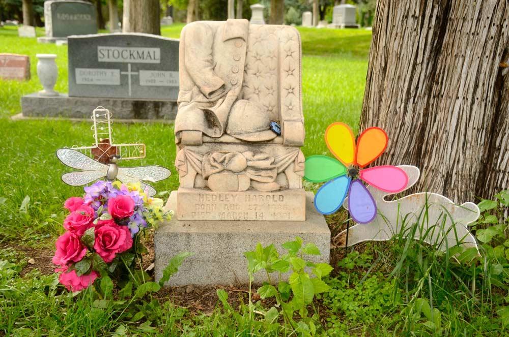 Roselawn Cemetery Civil War Headstone
